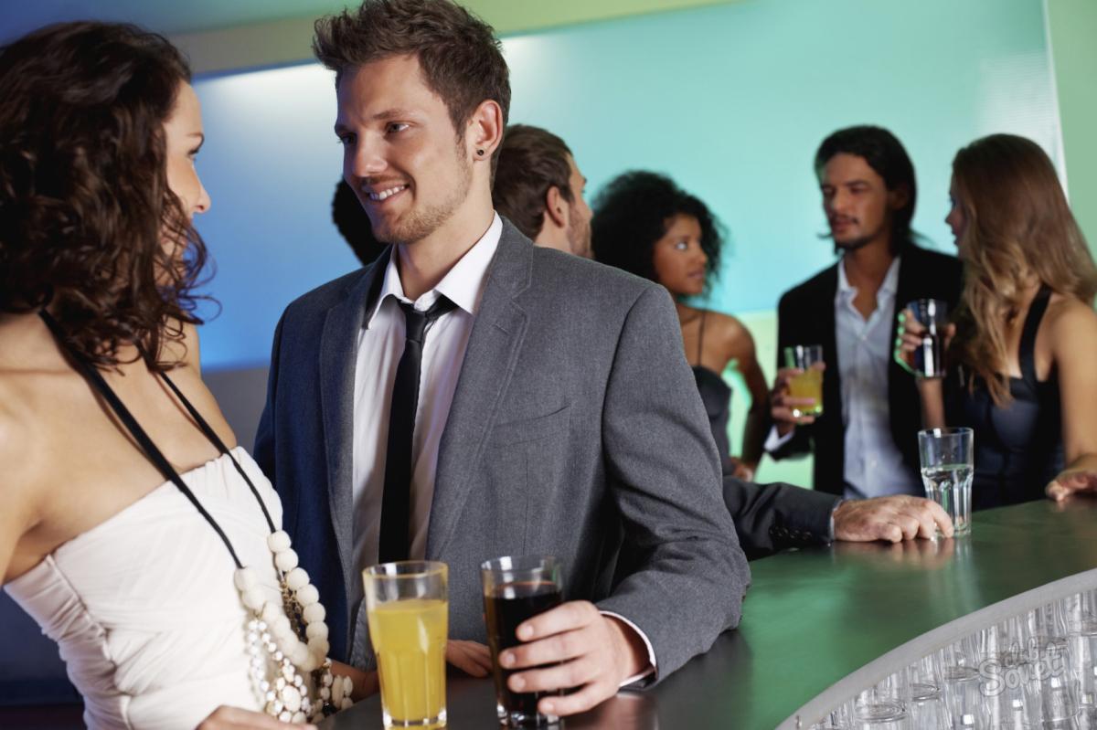 Singles ausgabefreudiger als Menschen in Beziehungen